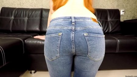 sct---07.janet_-_shitting_in_my_jeans.00001.jpg