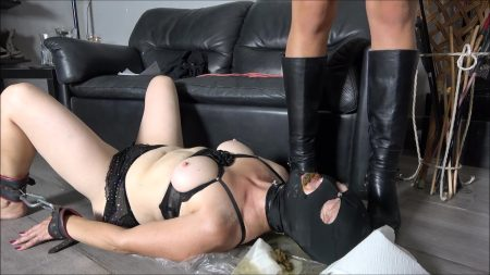 Mistress_Gaia_-_Female_Slave_Shitted_And_Peed.mp4.00003.jpg