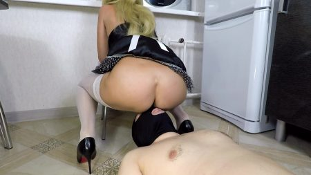 Horny_Maid_Shit_On_Manscatmob.Com.mp4.00002.jpg