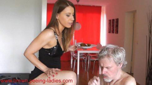 Slave_Feeding_With_Scat_-_Princess_Nikki.wmv.00002.jpg