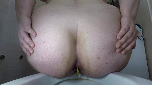Bonya - BBW Winking - Farting And Pooping 00003