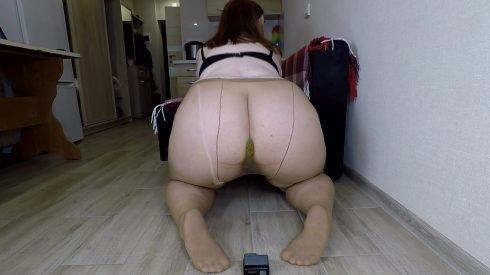 Bonya - Fart And Shit In Nylon Pantyhose 00001