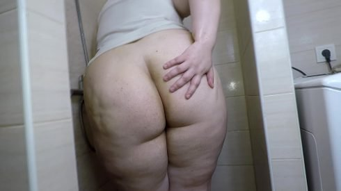 Bonya - Fat Girl Messy Bath Enema 00000