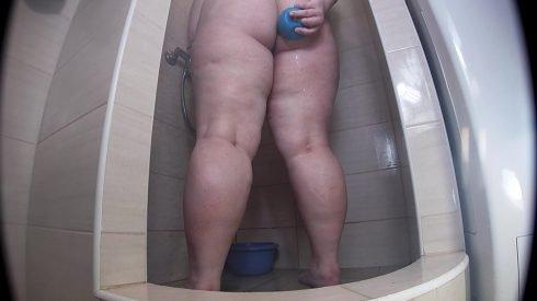Bonya - Fat Girl Messy Bath Enema 00002